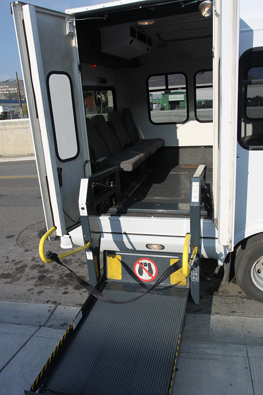 20 Passenger Vip Bus With Wheelchair Lift Nationwide